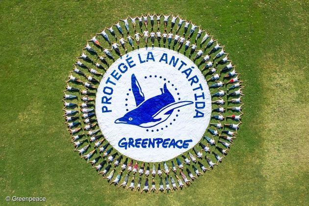 지난 2월 아르헨티나에서 140명의 활동가들이 '남극해 보호'를 요구하고