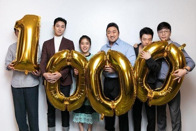 '신과함께' 시리즈가 한국 영화 사상 최초로 세운