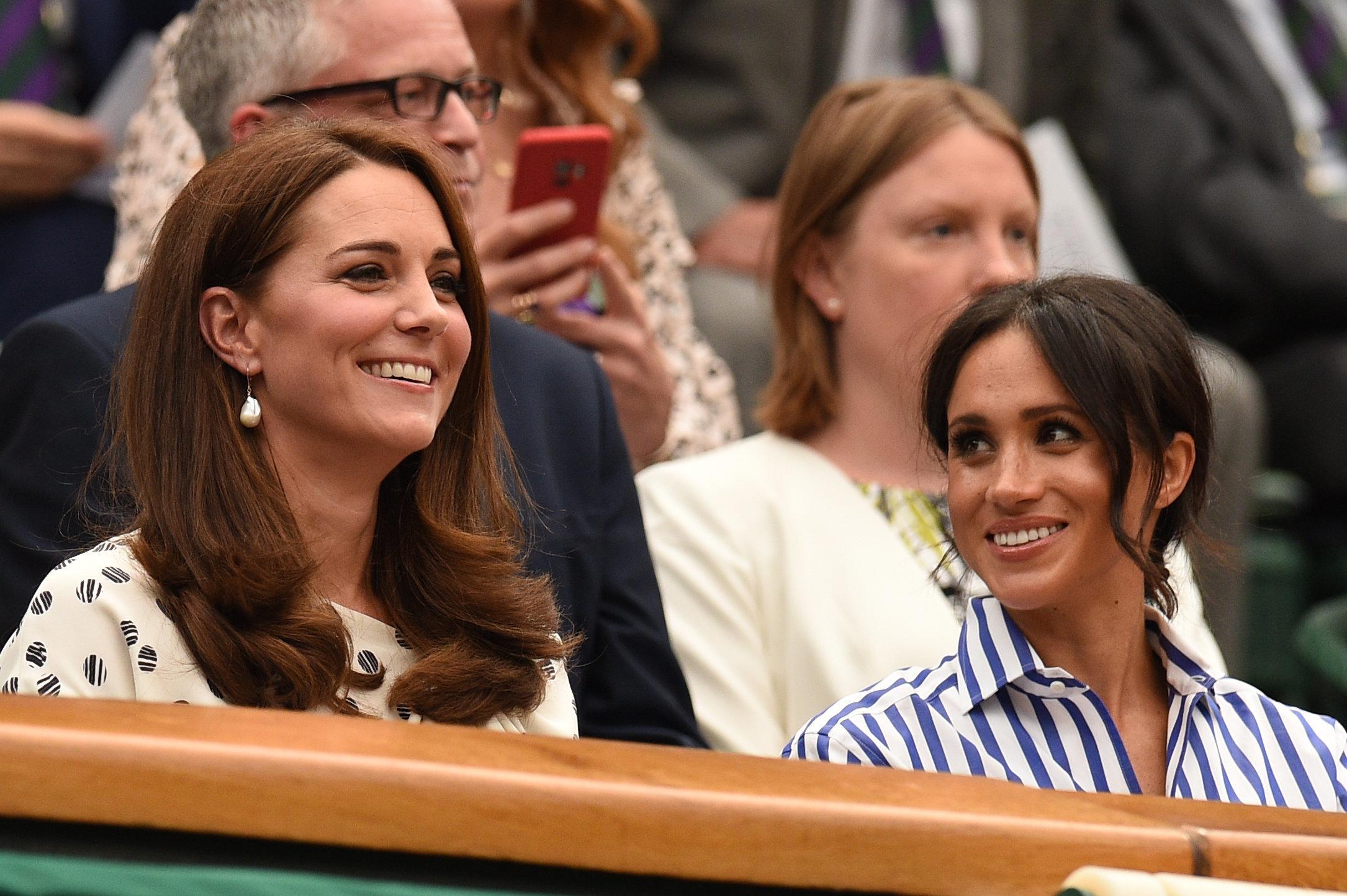 Herzogin Meghan & Herzogin Kate: Das ist den Royals ab 18 Uhr verboten