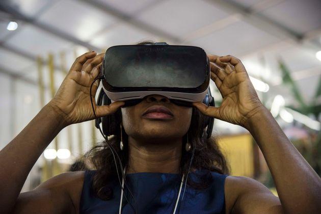 Une participante au forum économique mondial, organisé à Kigali au Rwanda, le 12...