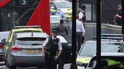 영국 웨스트민스터 차량 돌진 사건에 대테러 경찰팀