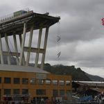 Σε κεραυνό μπορεί να οφείλεται η κατάρρευση της γέφυρας στην Γένοβα. Στους 22 οι