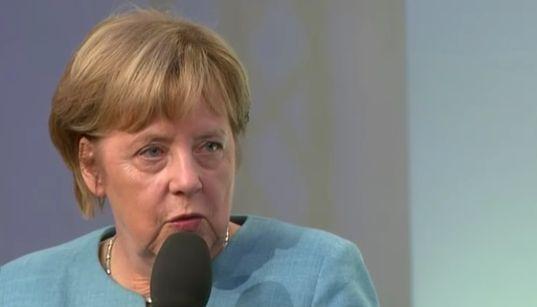 """Kanzlerin Merkel stellt sich einem Bürgerdialog – und benennt sogleich eine """"Unart"""" von"""