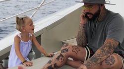 Vater hängt im Urlaub ständig am Handy – dann greift seine 4-jährige Tochter hart