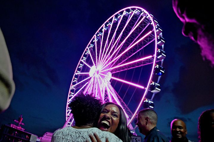 A couple from the Washington, D.C., area learned the sex of their unborn baby via the lights on a Ferris wheel at National Harbor in Maryland.