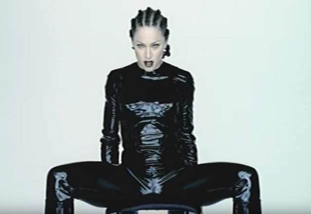 Los vídeos musicales más controvertidos de