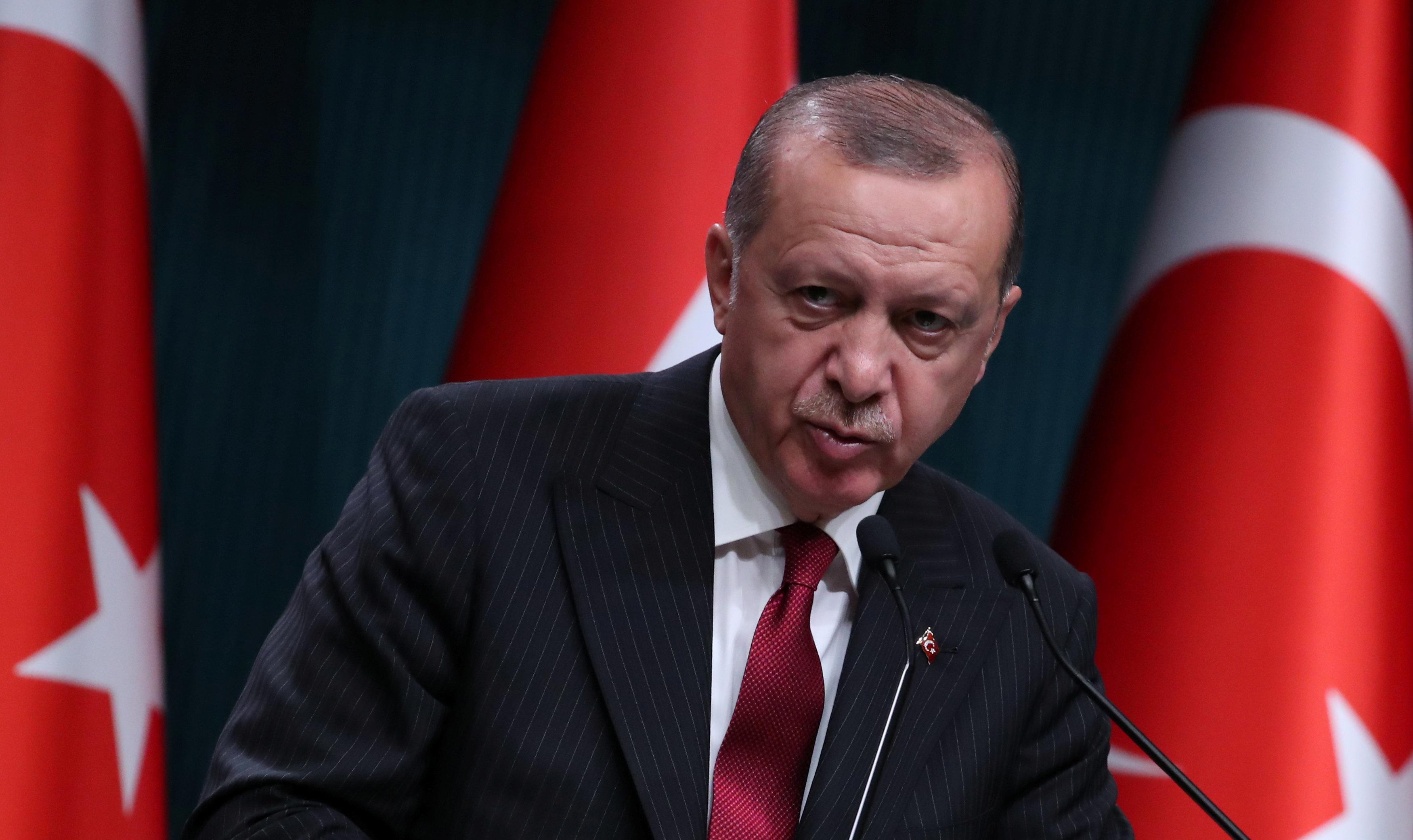 터키 에르도안이 '미국 전자제품 보이콧'을