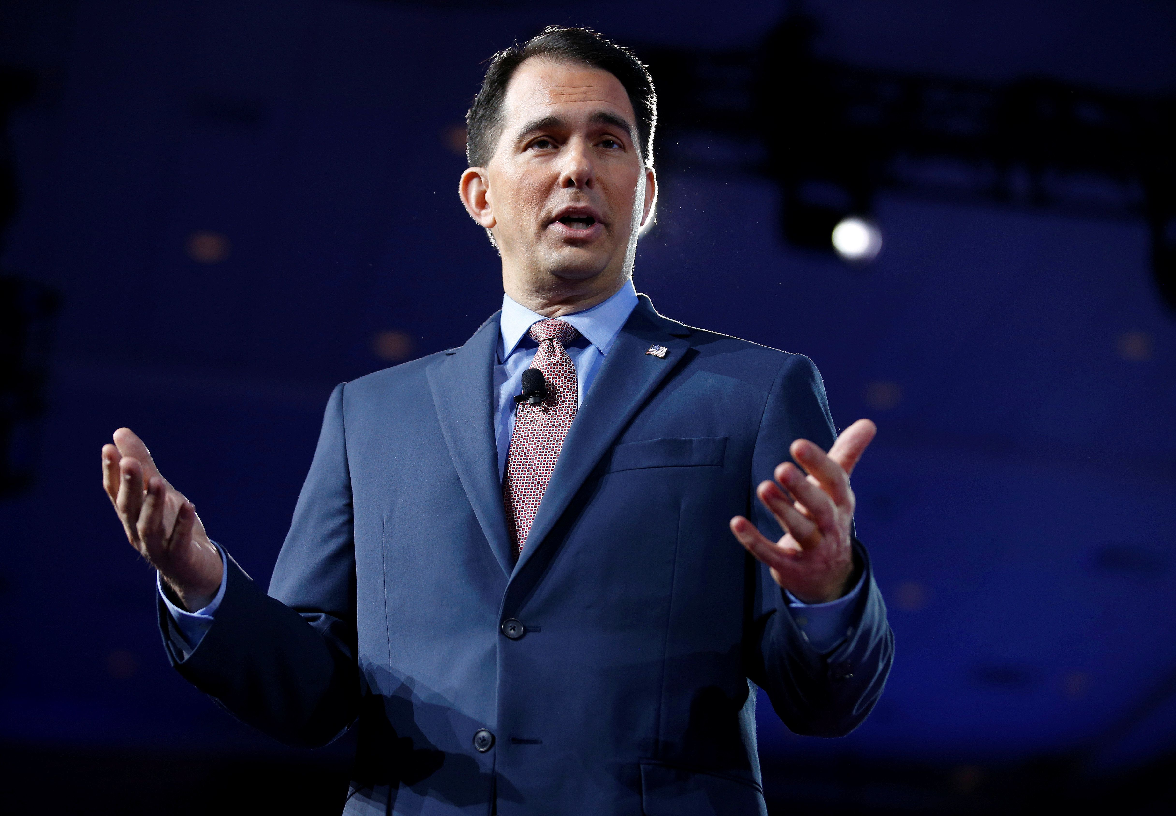 Wisconsin Governor Scott Walker speaks during the Conservative Political Action Conference (CPAC) in National Harbor, Maryland, U.S., February 23, 2017.      REUTERS/Joshua Roberts