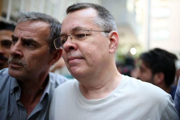 Τουρκικό δικαστήριο απέρριψε το αίτημα απελευθέρωσης του Αμερικανού πάστορα