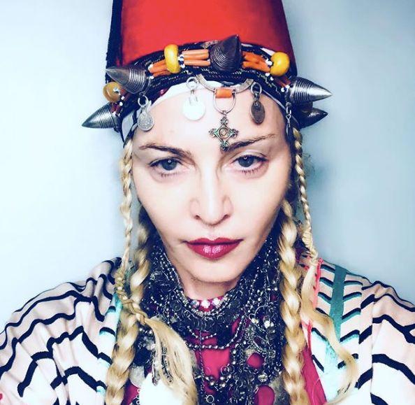 Madonna lance un compte à rebours (en tarbouch) avant son anniversaire à