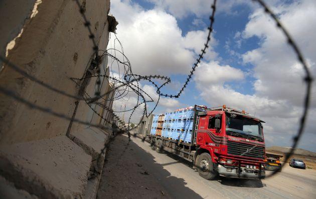 Israël lève le blocus du seul point de passage de marchandises vers la bande de