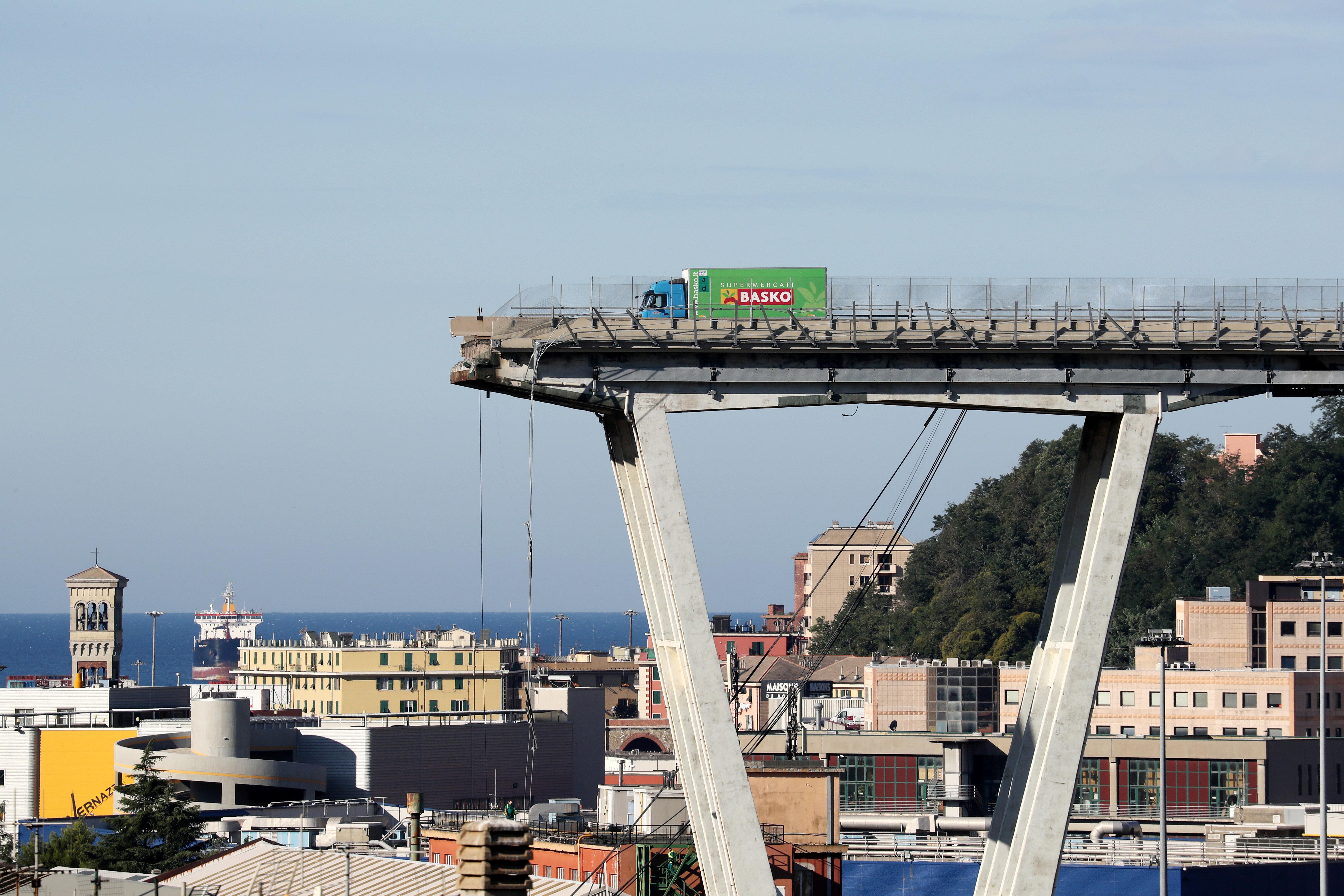 Viaduc effondré à Gênes: l'espoir s'amenuise, une quarantaine de