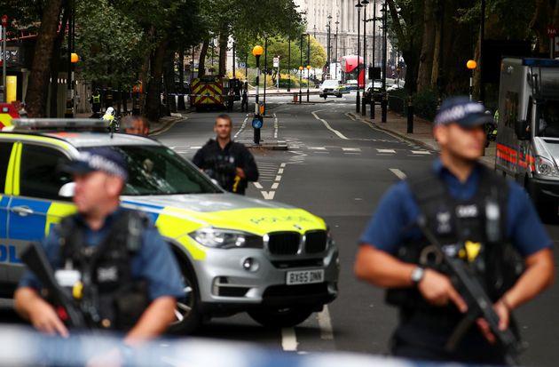 Aυτός είναι ο άνδρας που έσπειρε τον φόβο για τρομοκρατική επίθεση στο