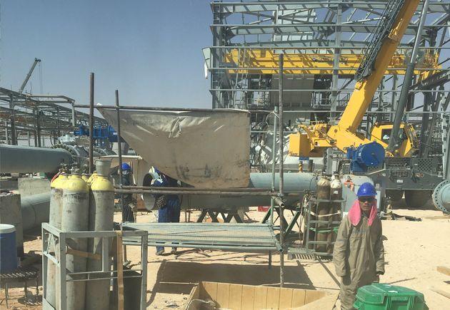 Des employés de Sonatrach sur un site gazier à Hassi Rmel, le 27 juillet