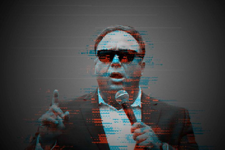 Alex Jones is not having a good year.