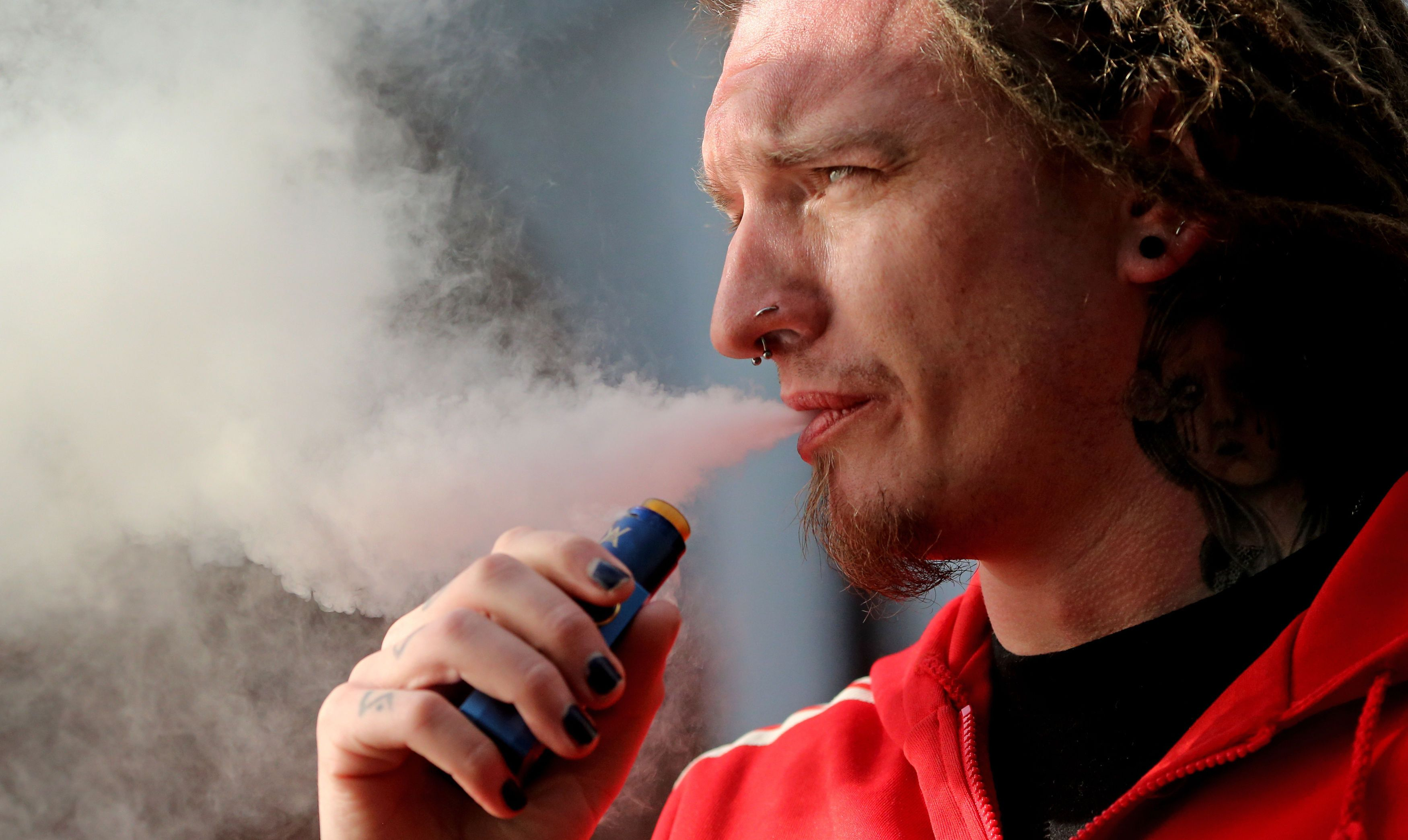 Make E-Cigarettes Available On The NHS, MPs Urge