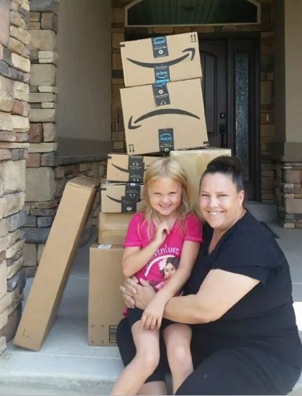 6-Year-Old Secretly Bought $400 Worth Of Toys On Amazon And Her Face Says It All