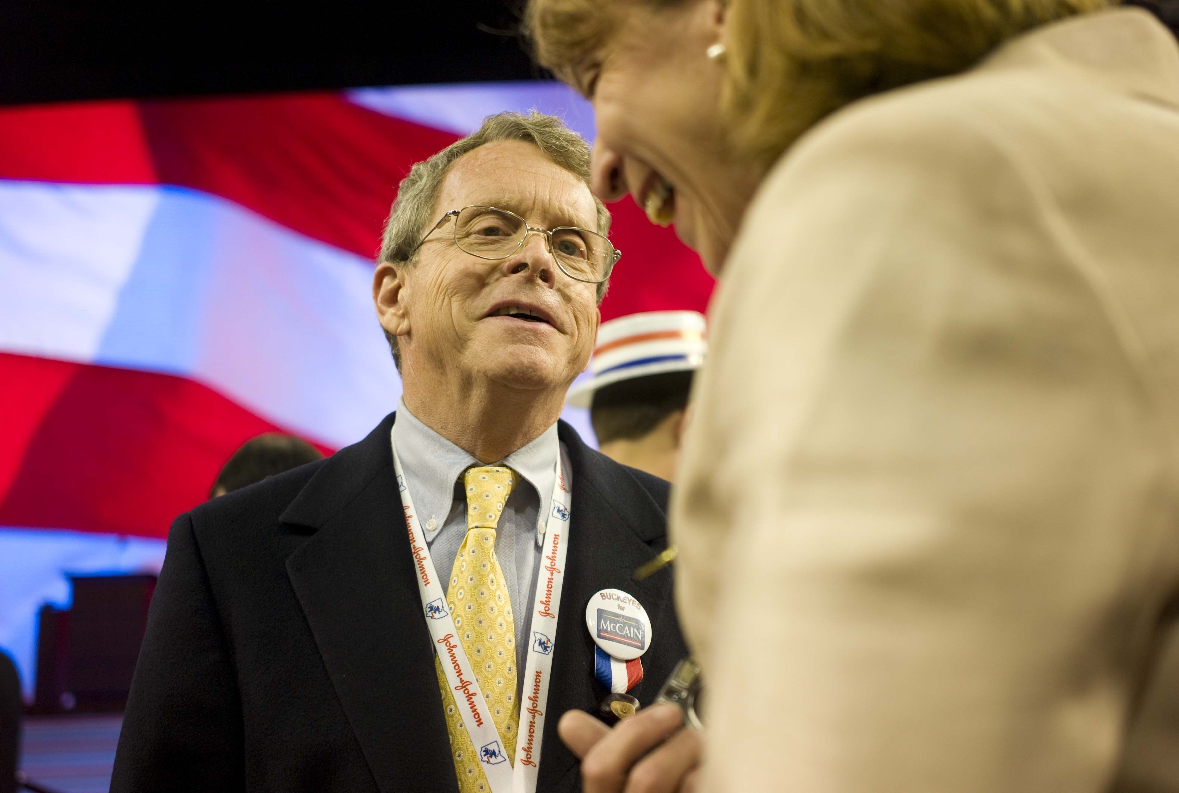 MINNEAPOLIS:  Former Sen. Mike DeWine, R-Ohio, talks with wife, Fran, as the second session gets underway.  (Photo by Scott J. Ferrell/Congressional Quarterly/Getty Images)