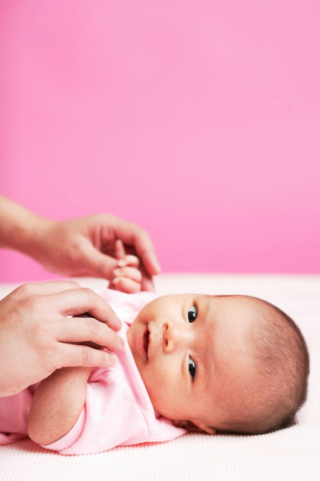 우리가 아기의 젠더를 넘겨짚지 말아야 할 아주 중요한