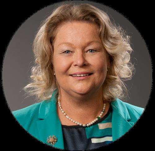 Christine Fiedler ist Professorin für Pflegewissenschaften und kümmert sich um Qualitätsmanagement...