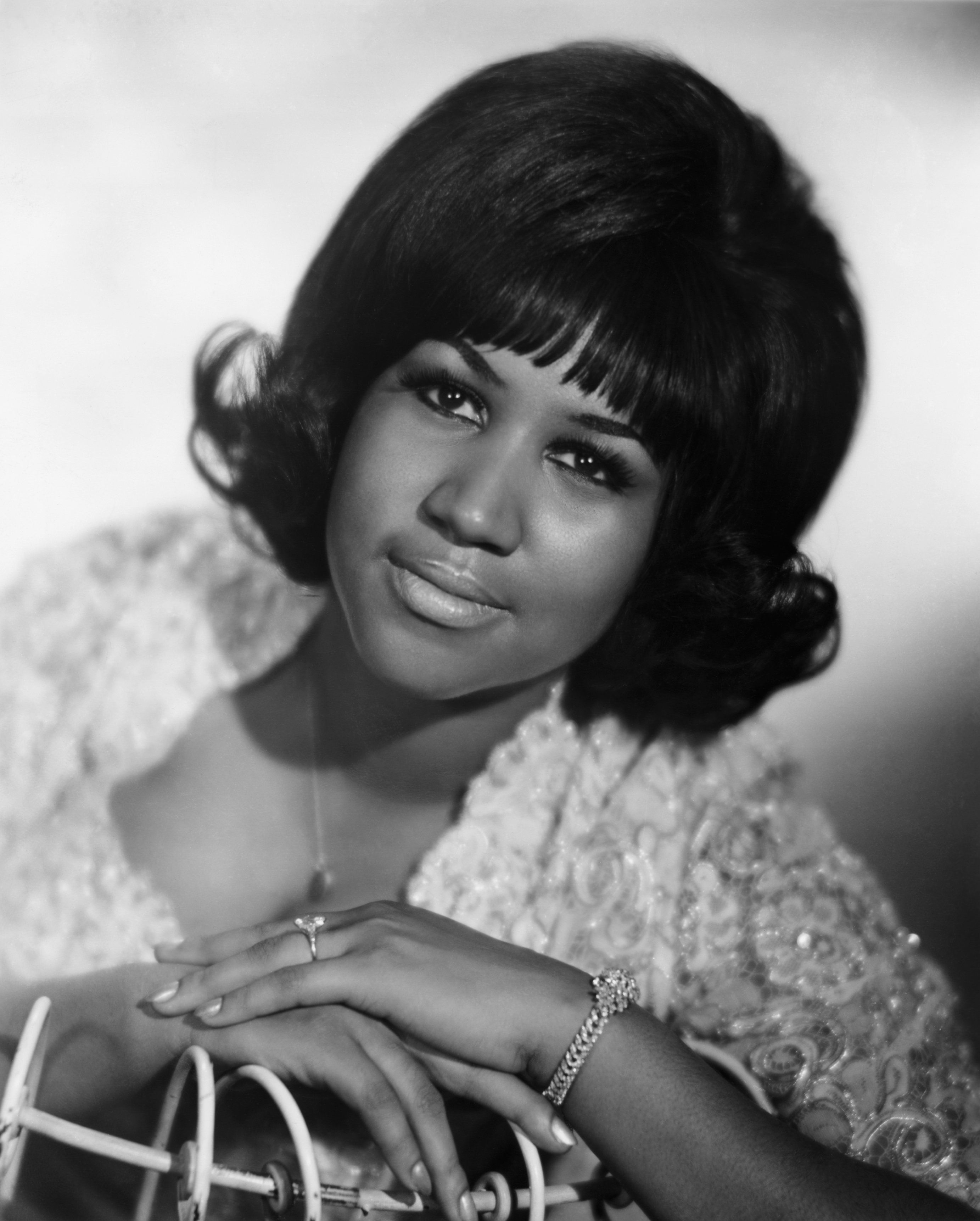 Celebrity Fans and Friends React To Aretha Franklin's Death With Loving