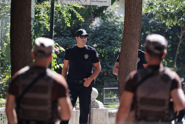 Τούρκοι αστυνομικοί...