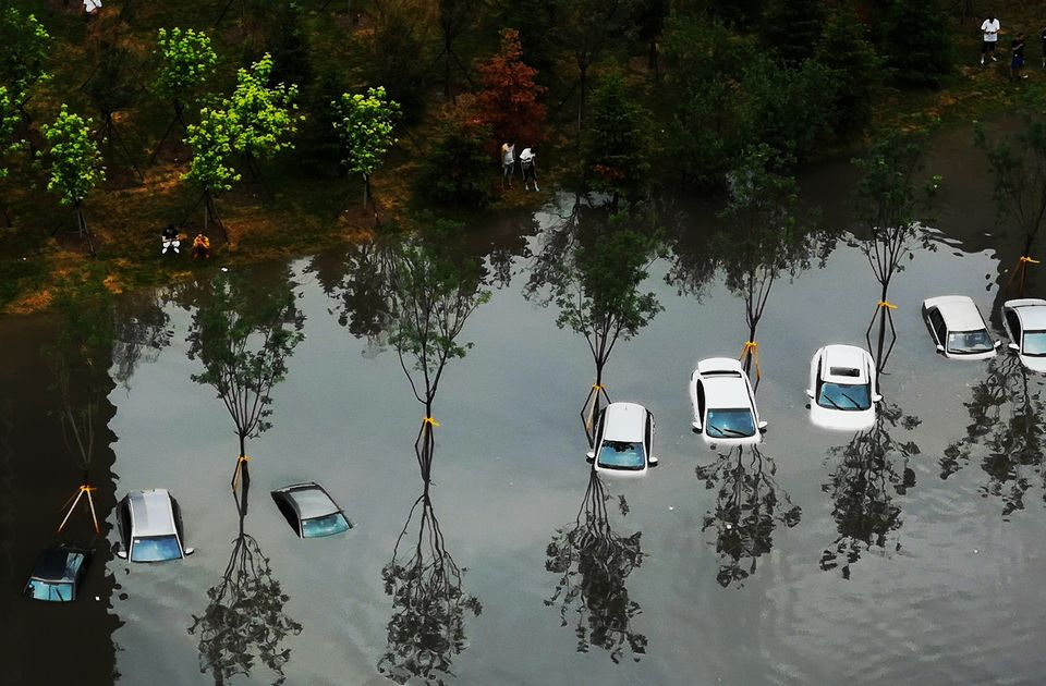Cars were nearly fully submerged in Shenyang in 7