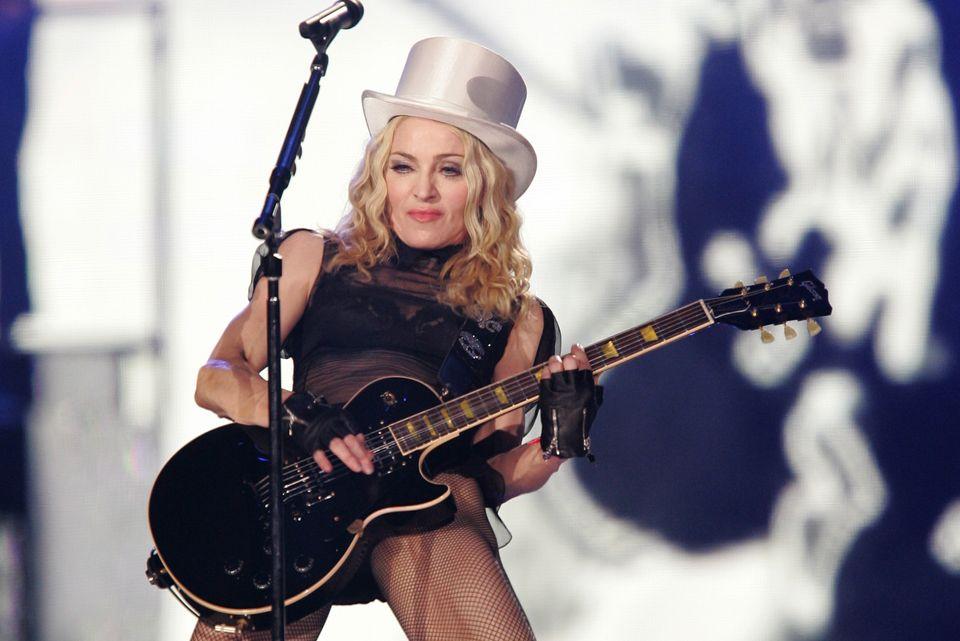 마돈나, 환갑을 맞다: 마돈나는 추억의 80년대 가수가 아니다. 언제나 큰 파장을