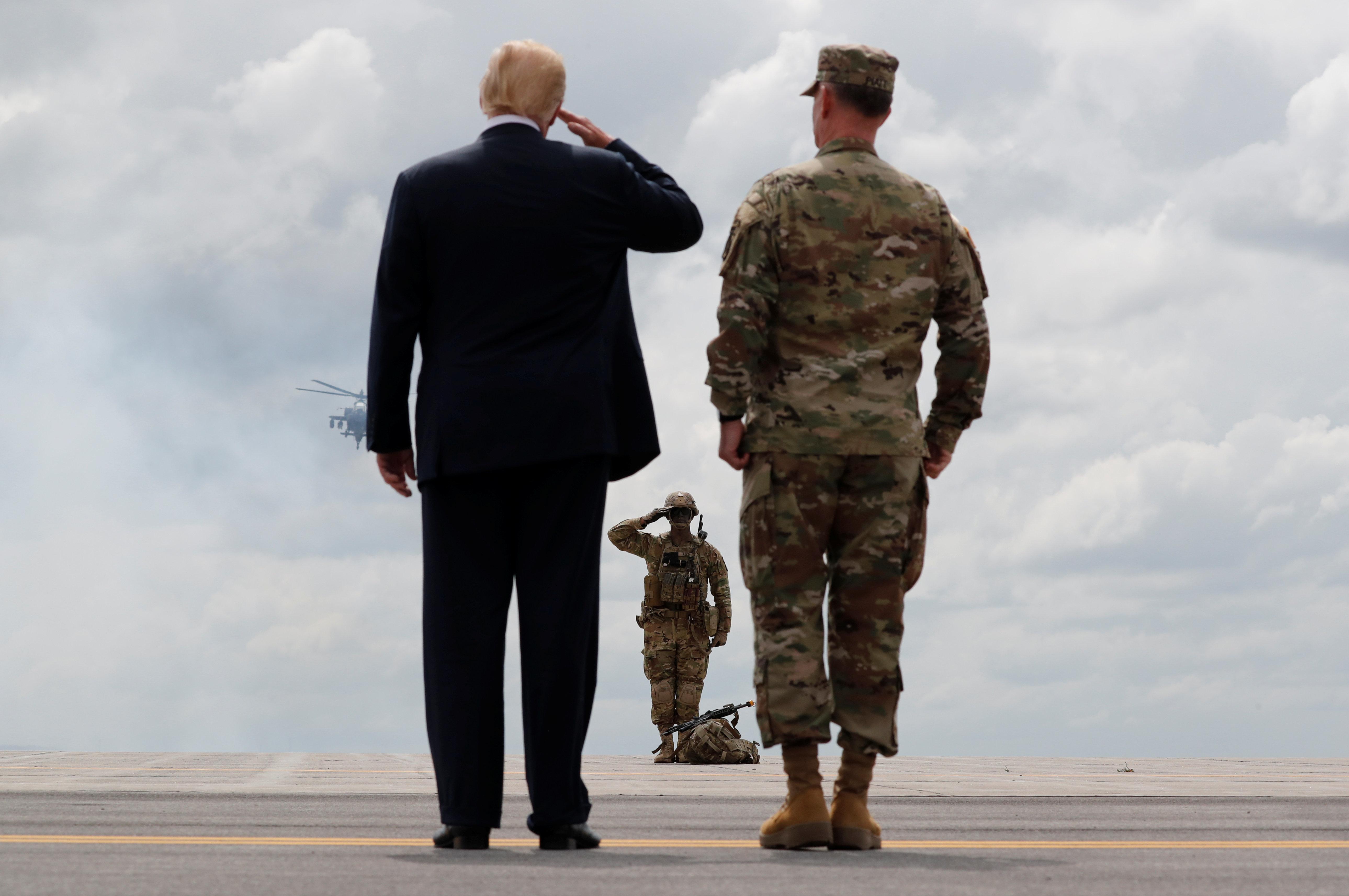 Αναβάλλεται για το 2019 η στρατιωτική παρέλαση που ήθελε στην Ουάσινγκτον ο