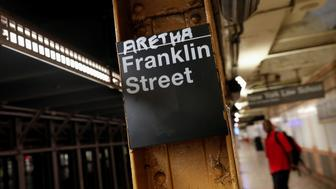 The name of Aretha is posted above the Franklin Street subway station in memory of singer Aretha Franklin in Manhattan, New York, U.S., August 16, 2018.  REUTERS/Shannon Stapleton      TPX IMAGES OF THE DAY