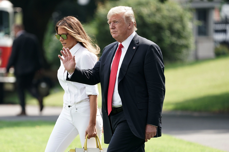 Ex-Trump-Beraterin behauptet: Donald würde Melania ausweisen, ließe sie sich