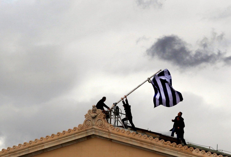 Αφιέρωμα Reuters: η έξοδος της Ελλάδας από τα μνημόνια, ένας συνταξιούχος και ένας