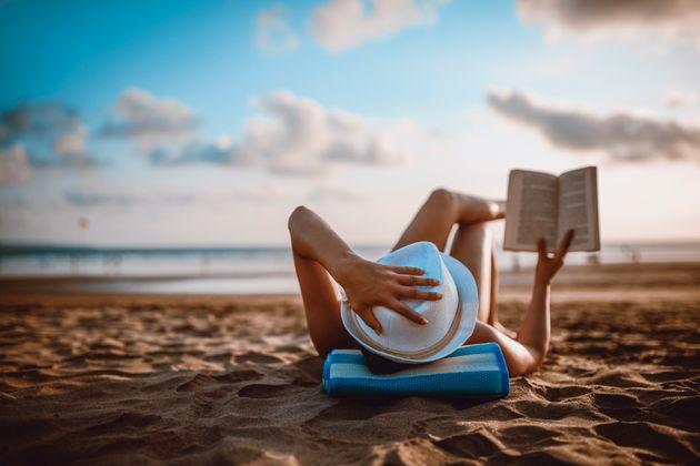7 livres à emporter à la plage selon les recommandations d'écrivains