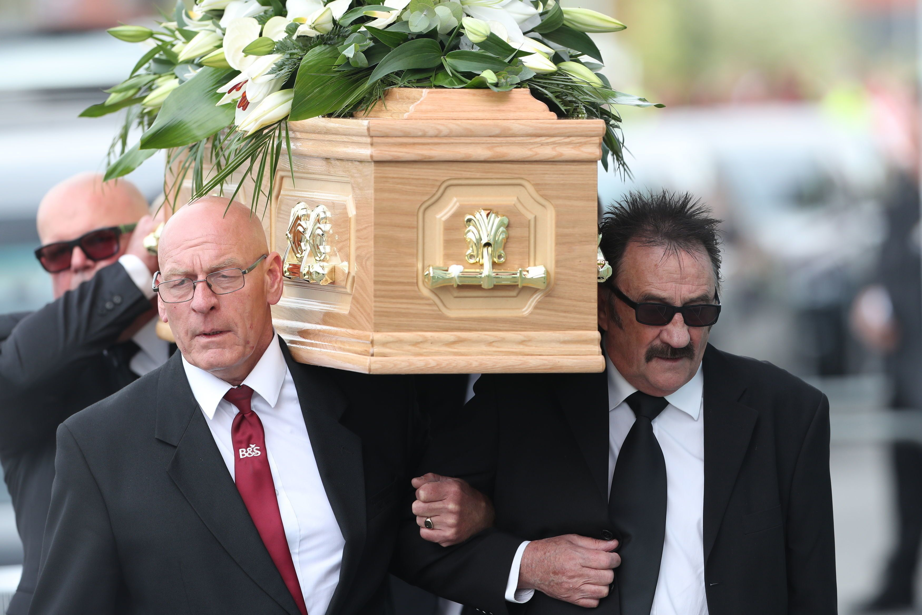 Celebrities line up to pay tribute to comedy star Barry Chuckle