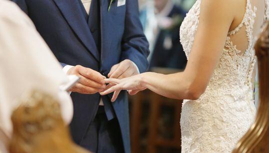 Le ministère des Affaires locales menace de sanctionner le maire qui a ordonné de refuser les mariages entre tunisiennes et n...