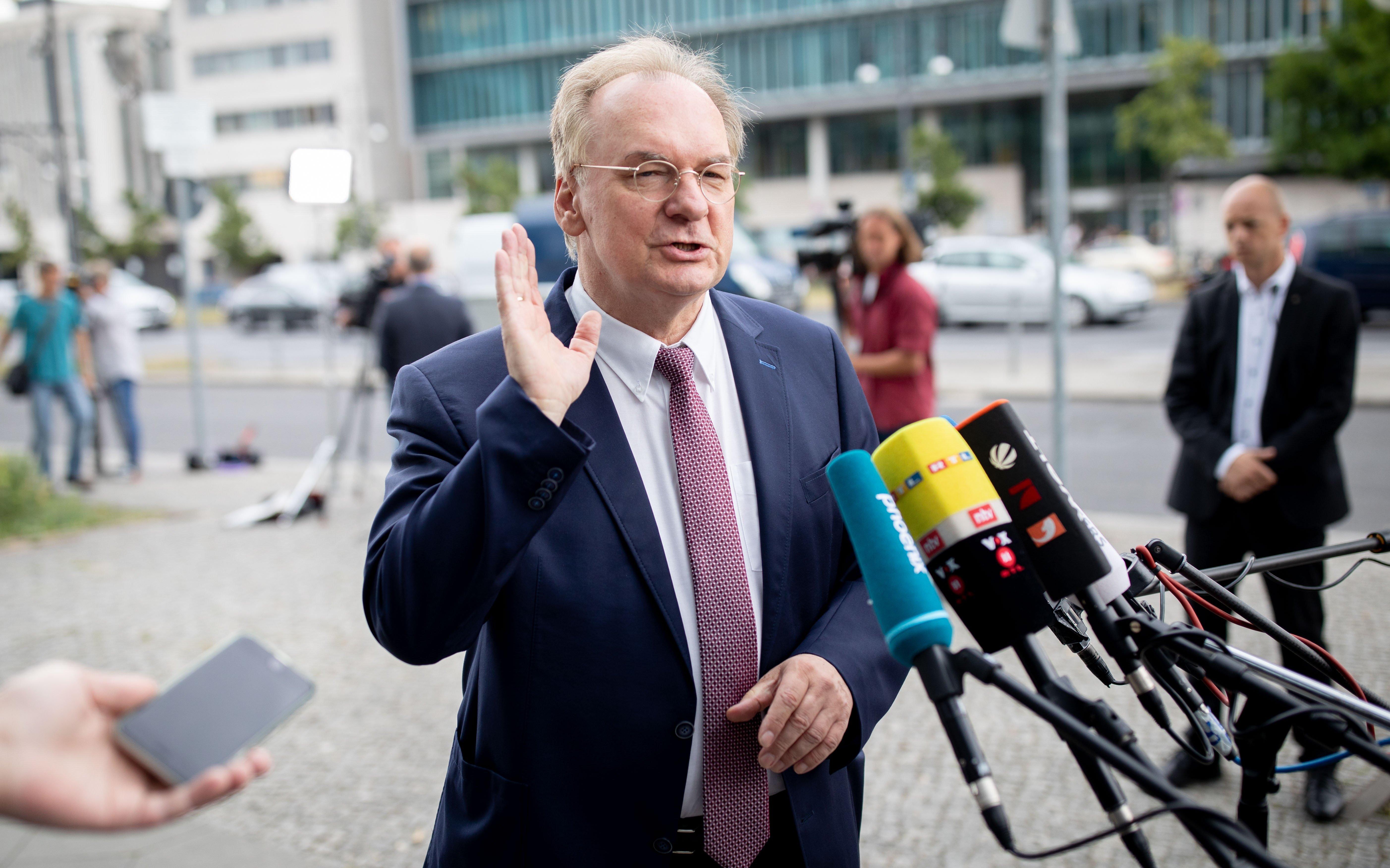 Reiner Haseloff vor dem Konrad-Adenauer-Haus in