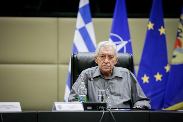 Κουβέλης: Θα ενισχύσουμε την αποτρεπτική μας δύναμη σε αεροπορία και ναυτικό χωρίς να μπούμε σε κούρσα