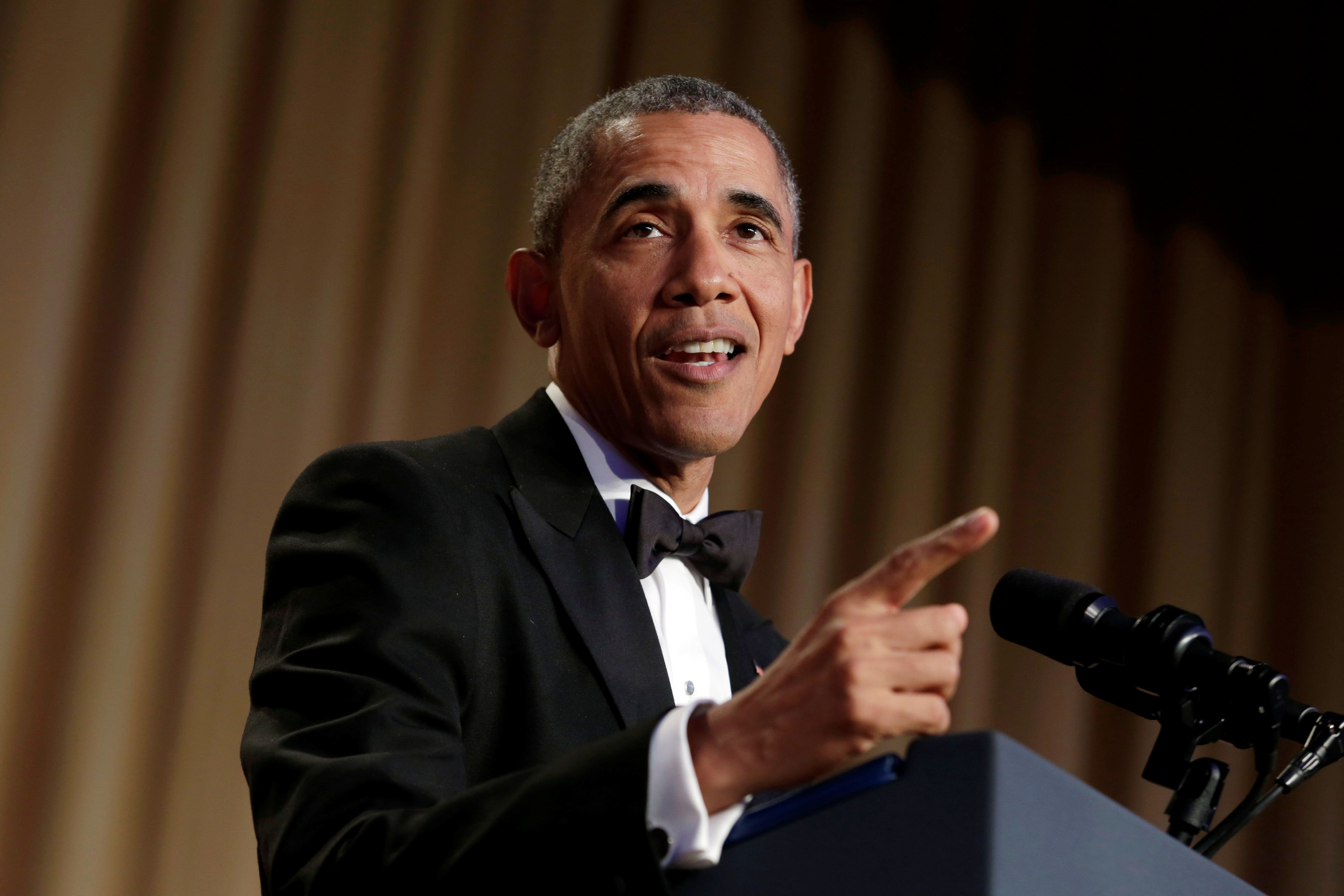 U.S. President Barack Obama speaks at the White House Correspondents' Association annual dinner in Washington, U.S., April 30, 2016. REUTERS/Yuri Gripas