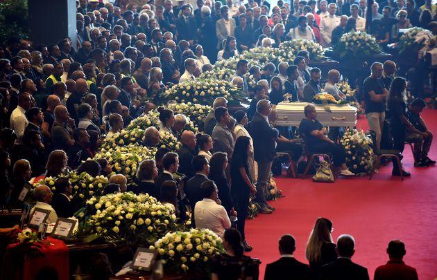 Στα 41 τα θύματα από την τραγωδία στη Γένοβα. Οικογένειες θυμάτων απείχαν από την επίσημη