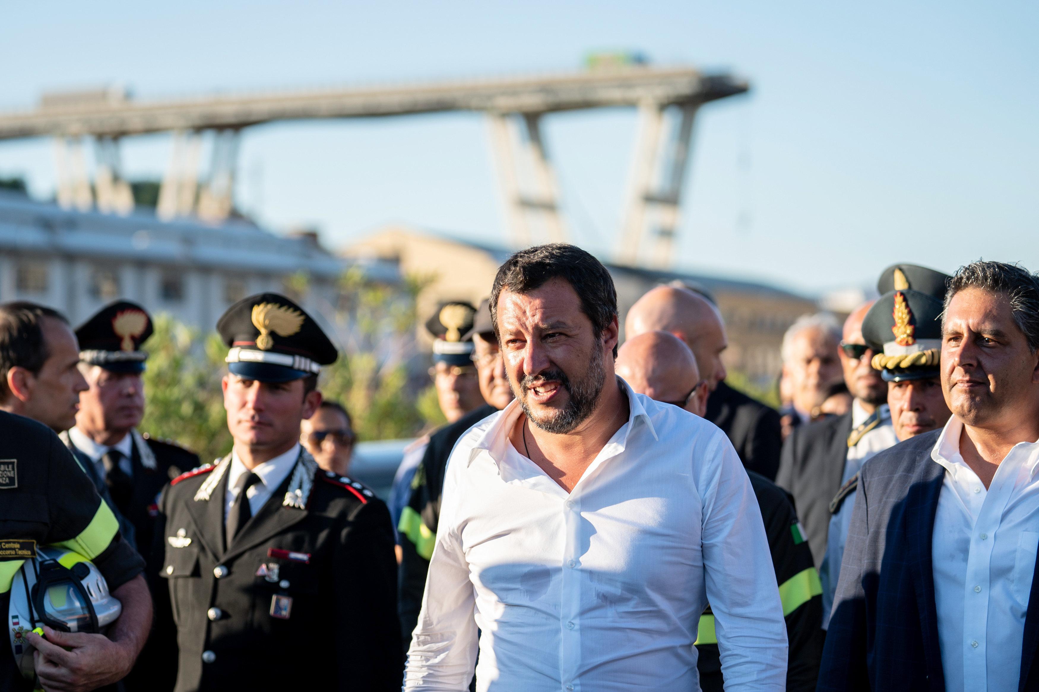 Genua-Unglück: Was Innenminister Salvini den wütenden Hinterbliebenen sagen