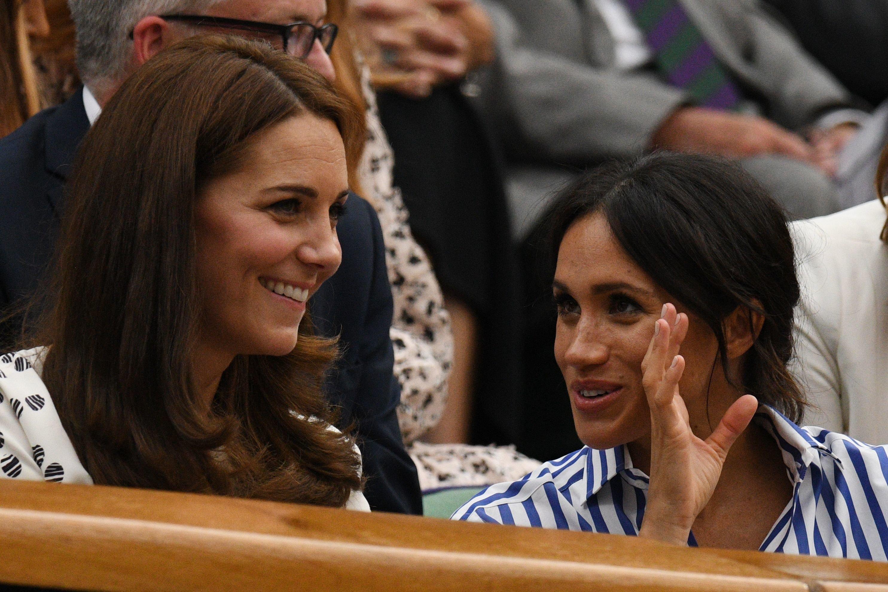 Expertin: Deshalb sollen Herzogin Meghan und Kate spezielle Unterwäsche tragen