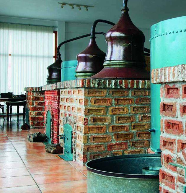 Το ούζο ταξιδεύει σε όλο τον κόσμο μέσα από μουσεία και ιδιωτικές