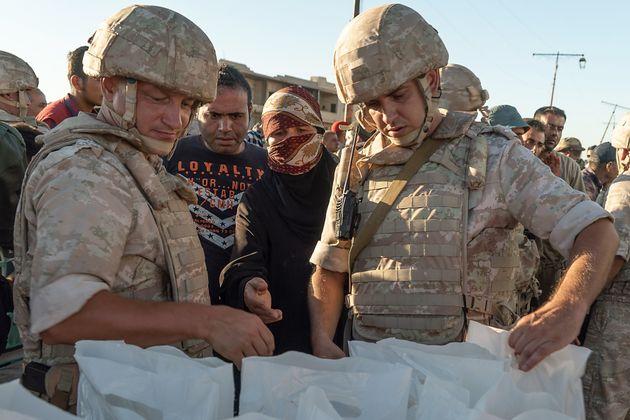 Dans la Syrie en guerre, de l'aide russe pour
