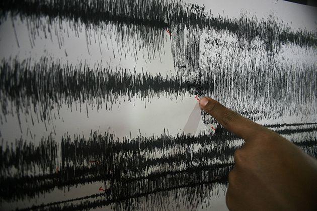 Σεισμός 6,9 Ρίχτερ στη νήσο Λομπόκ της Ινδονησίας