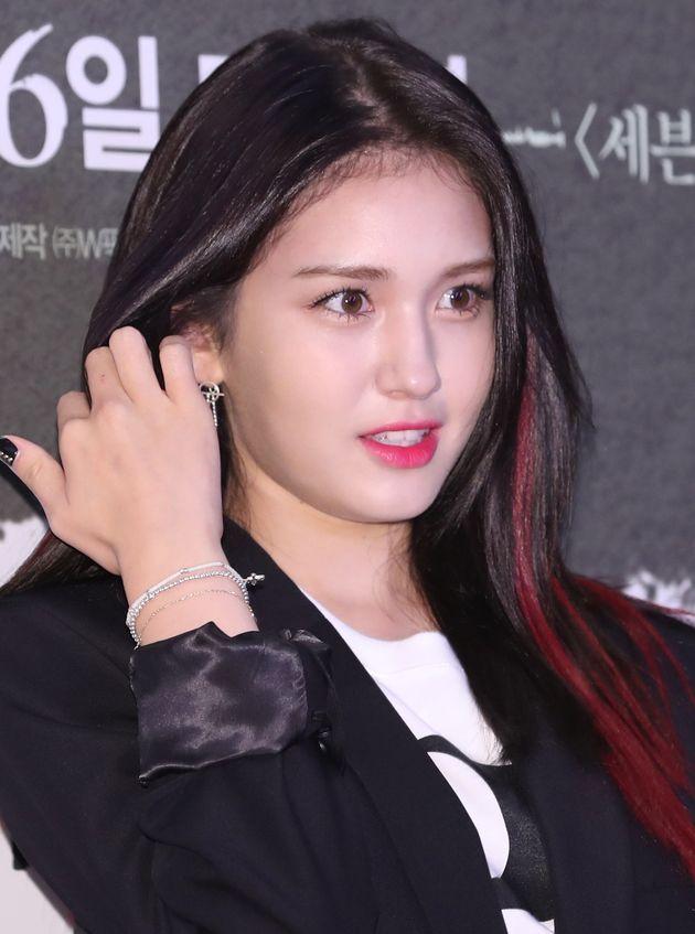 전소미와 JYP엔터테인먼트의 전속계약이