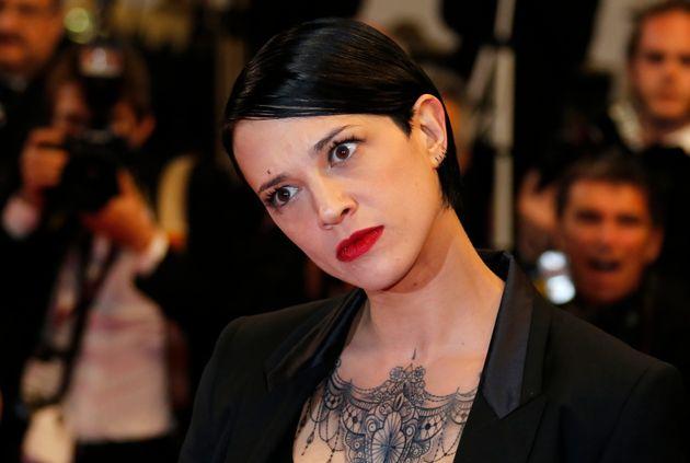 Η Άζια Αρζέντο, πρωτοπόρος του #MeToo, πλήρωσε νεαρό ηθοποιό που την κατηγορεί για σεξουαλική επίθεση...