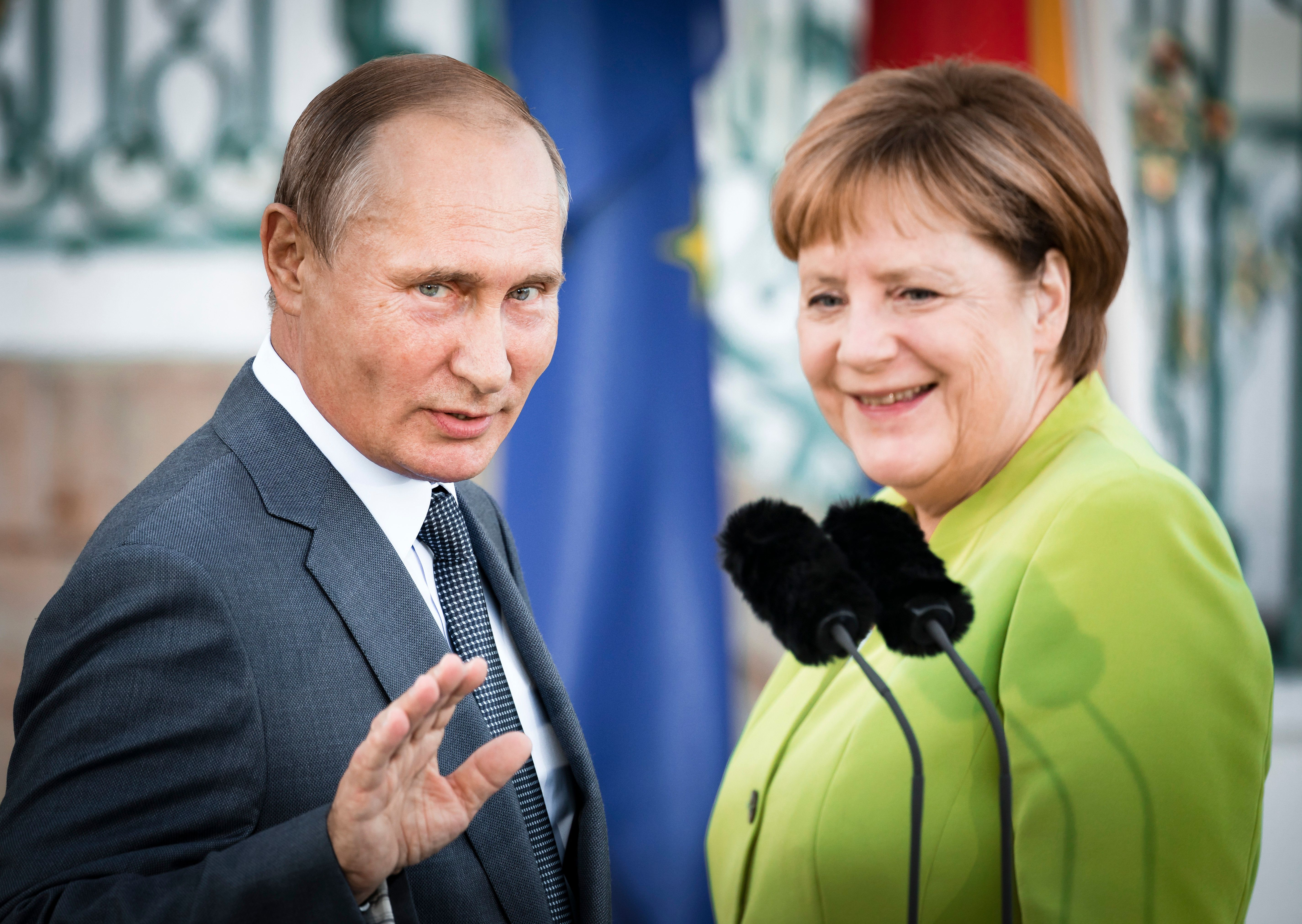 Merkel trifft Putin: Wie die Kanzlerin ihre Politik in drei Stunden verraten