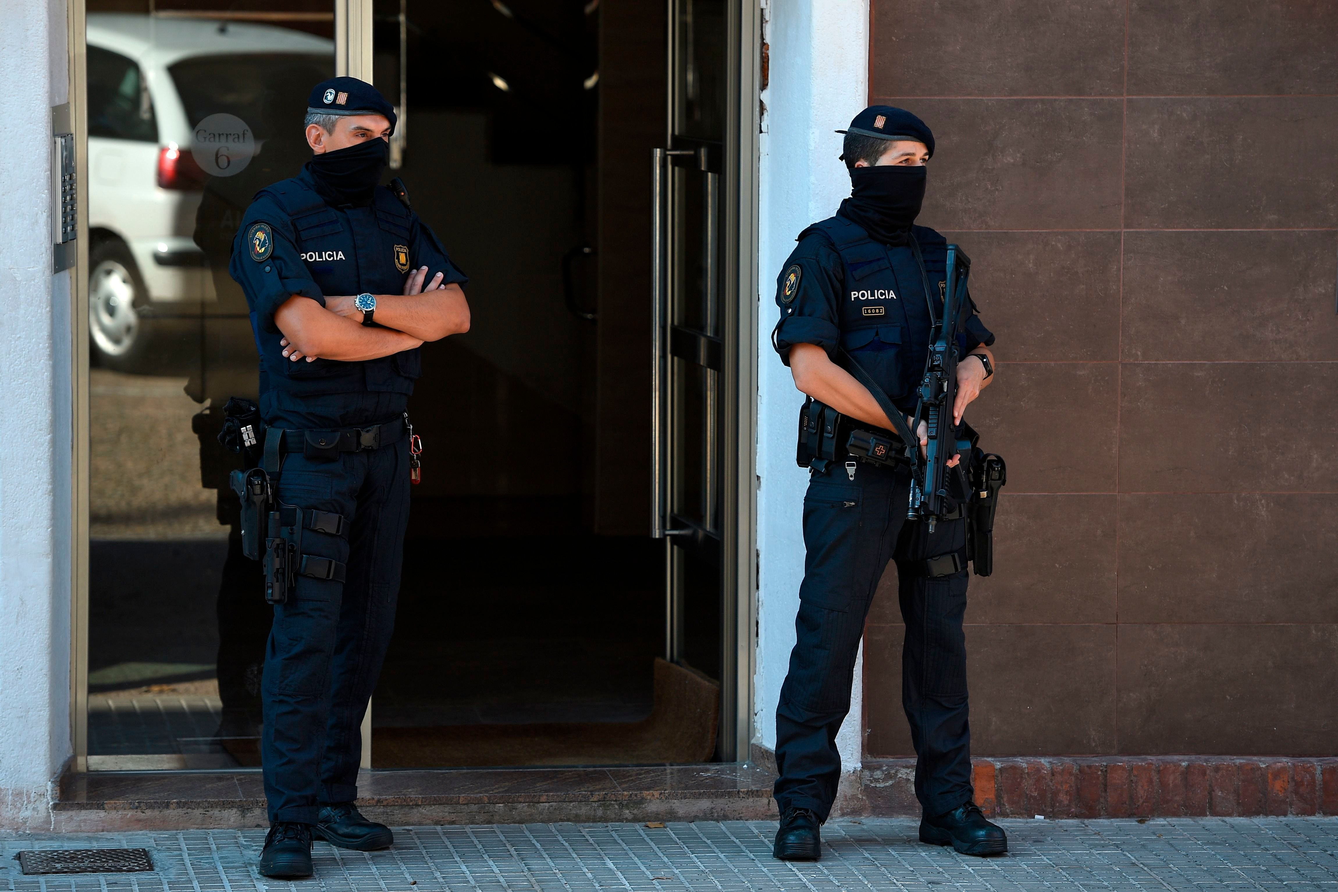 Police in Barcelona shoot knife attacker
