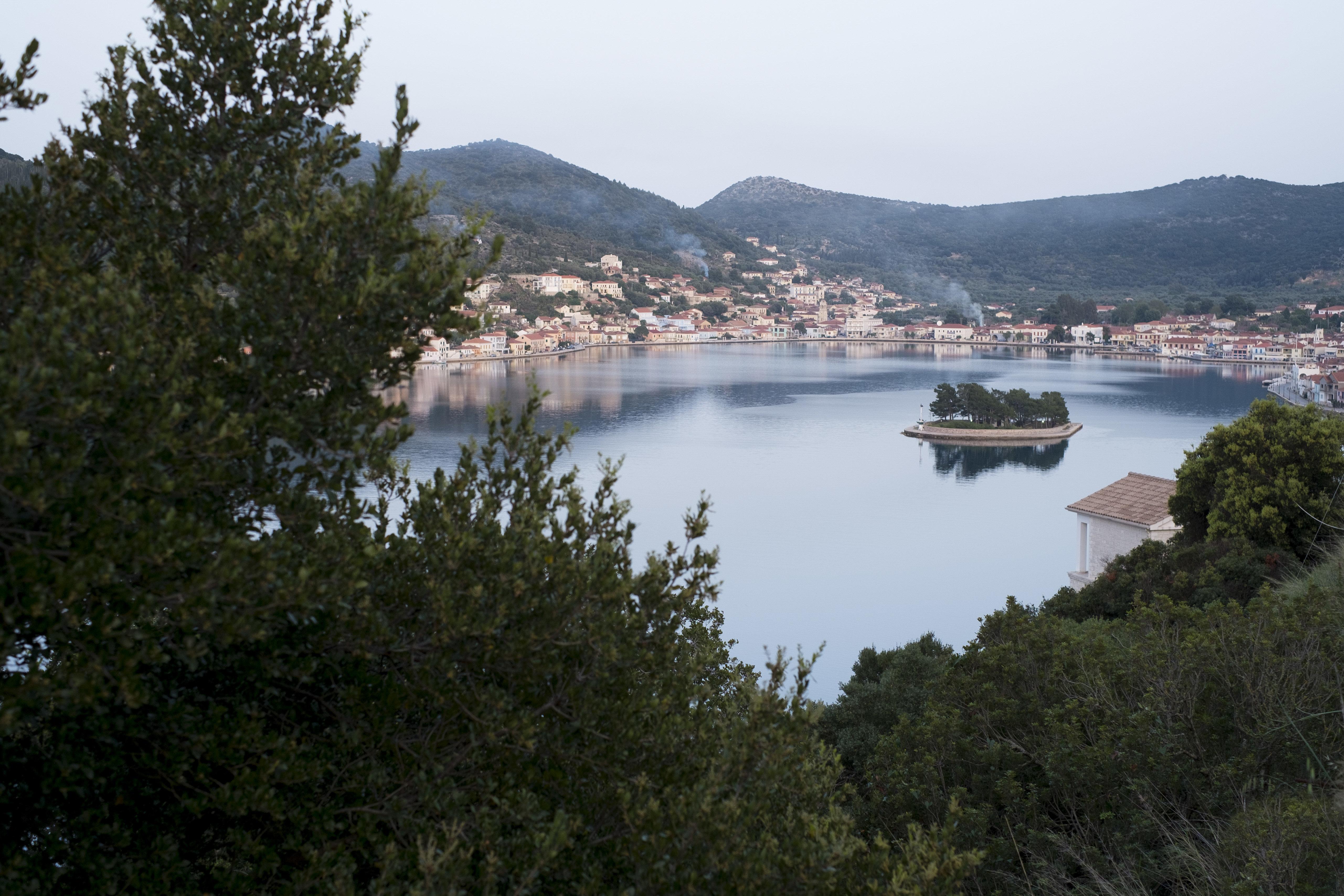 Γιατί διάλεξε ο Τσίπρας να κηρύξει από την Ιθάκη το «τέλος των μνημονίων»