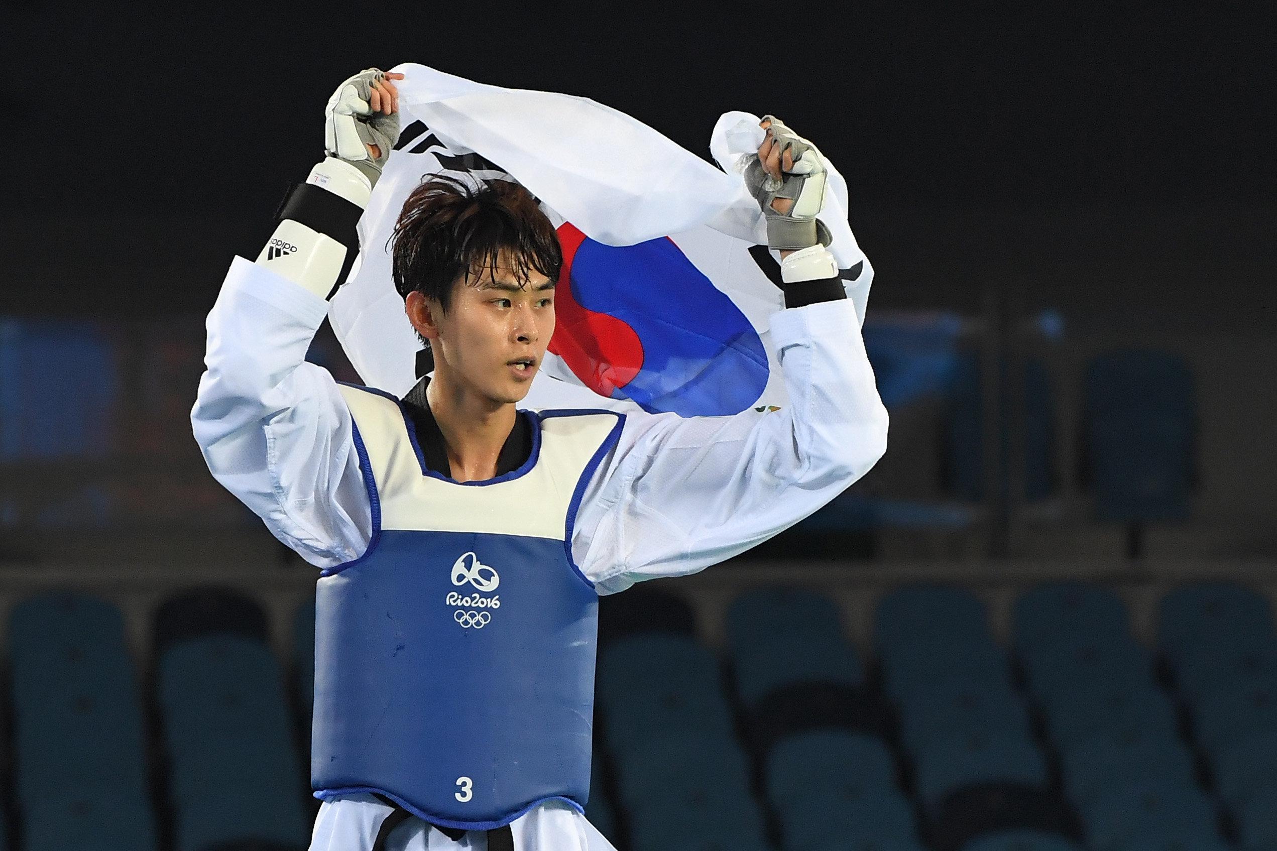 태권도 김태훈·김잔디·하민아가 은메달을